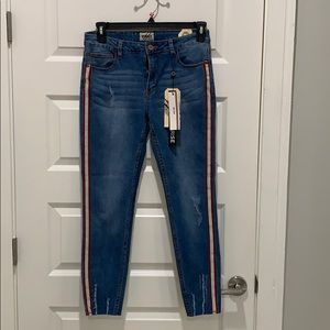 NWT cool jeans with side stripe!